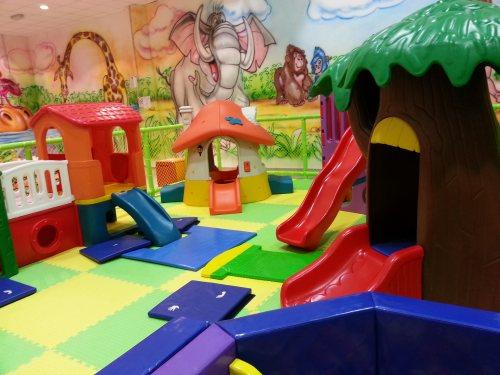 L 39 arca di no park pistoia giochi gonfiabili e pizzeria for Giochi per bambini di un anno